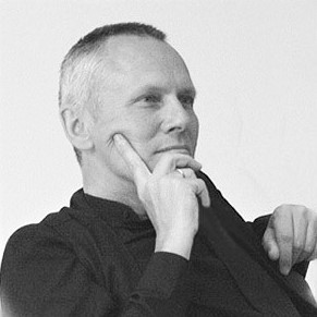 Helmut Hofbauer, Dipl. Sozialpädagoge (FH), Ausbildungen in Coaching, Hakomi, NLP, Prozessmoderation